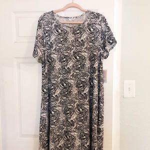 LuLaRoe Carly Dress Black and White